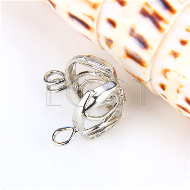 Ten pieces Elephant Shape Silver Toned Copper Cage Pendant