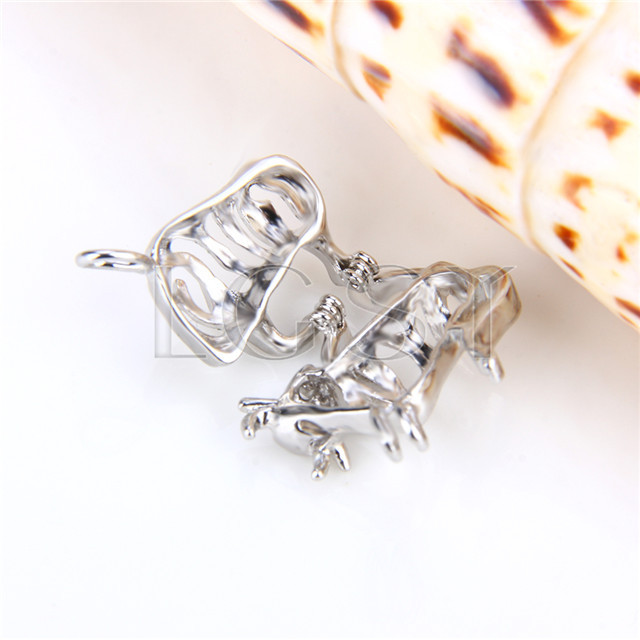 Ten pieces Taurus Shape Silver Toned Copper Cage Pendant