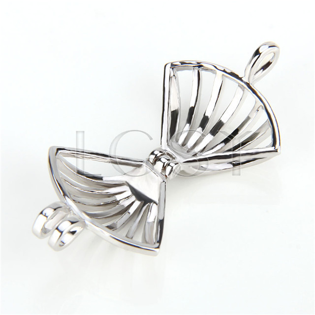 Ten pieces Fan Shape Silver Toned Copper Cage Pendant